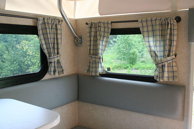 gardinen befestigen wohnwagen pauwnieuws. Black Bedroom Furniture Sets. Home Design Ideas